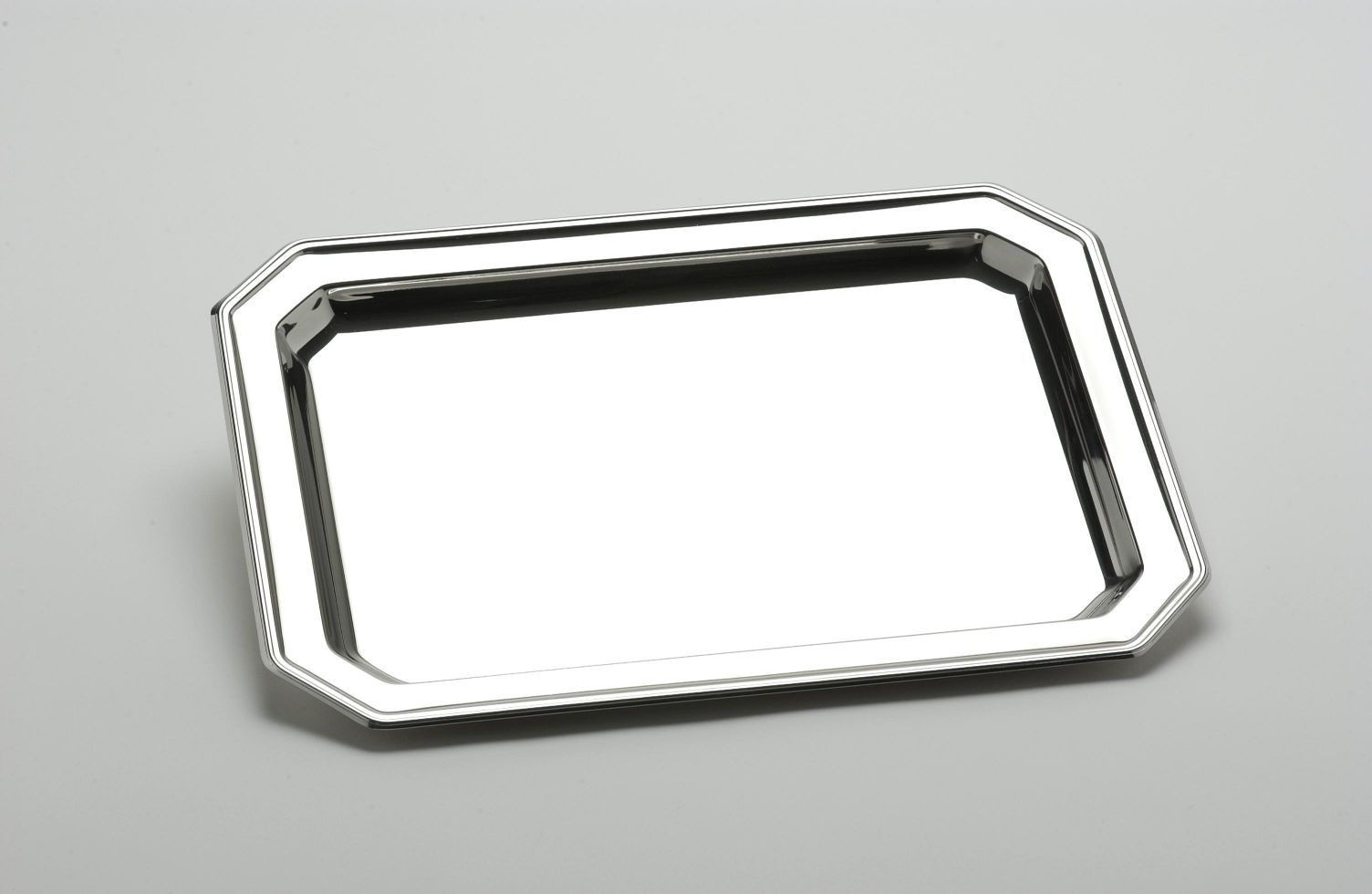 Utility tray meaning